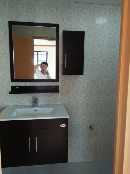 Ronnie Francisco bathroom 2 Parkplace Pueblo de Oro Babag Lapulapu City